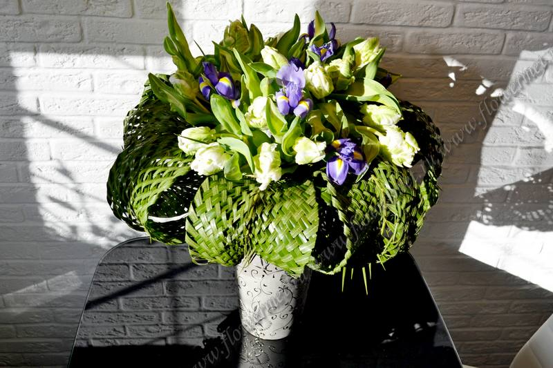 Оригинальные букеты из цветов - студия флористики Цветочные метаморфозы 58b548a6b85