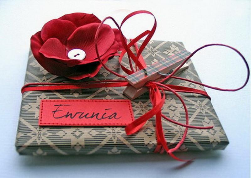 Картинки по запросу подарок в упаковке фото