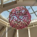 Оформление витрин, выставок, конференций и презентаций цветами